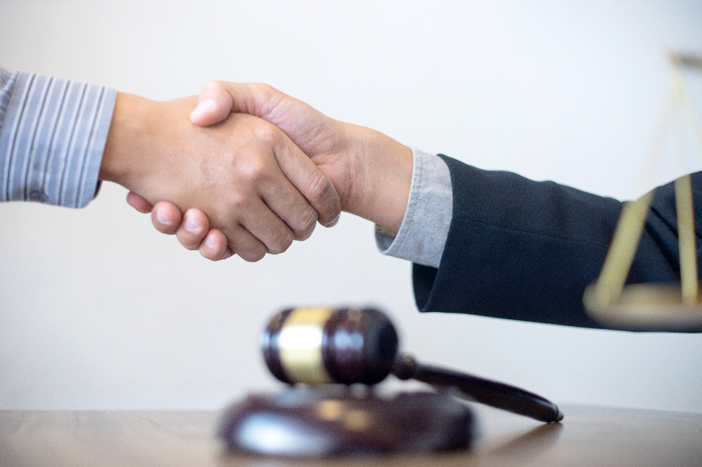 How Much Does a Lawyer Cost for Criminal Defense?
